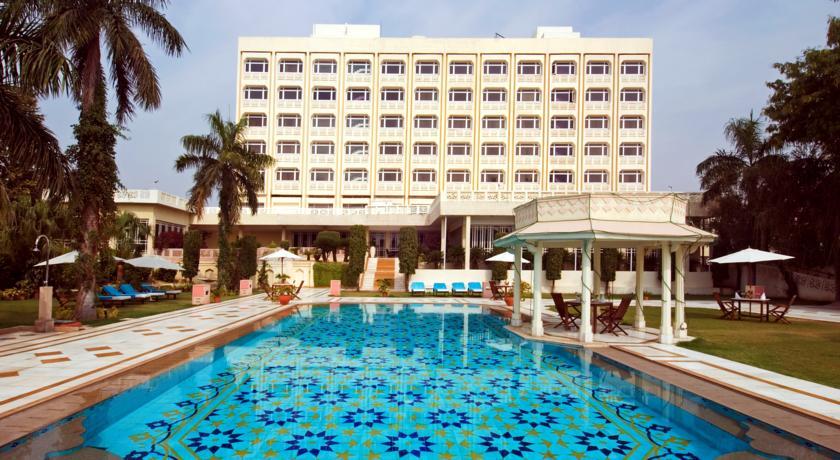 费特阿巴德阿加拉盖特韦酒店