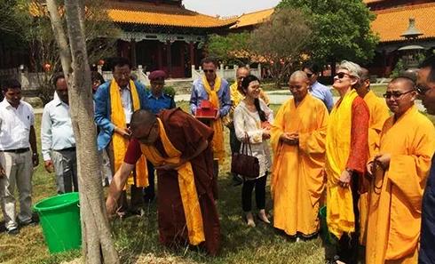2016年3月联合国教科文组织携手凤凰卫视访问尼泊尔印度